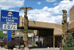 pet friendly hotel in taos, new mexico: indian hills inn, taos plaza